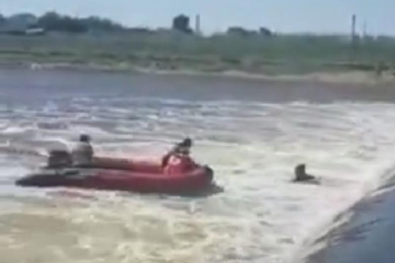 Елордада суға кеткен екі адам құтқарылды