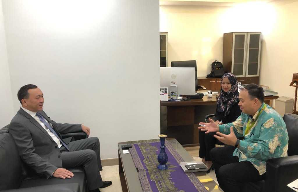 Kazakhstan-Indonesia coop discussed in Jakarta