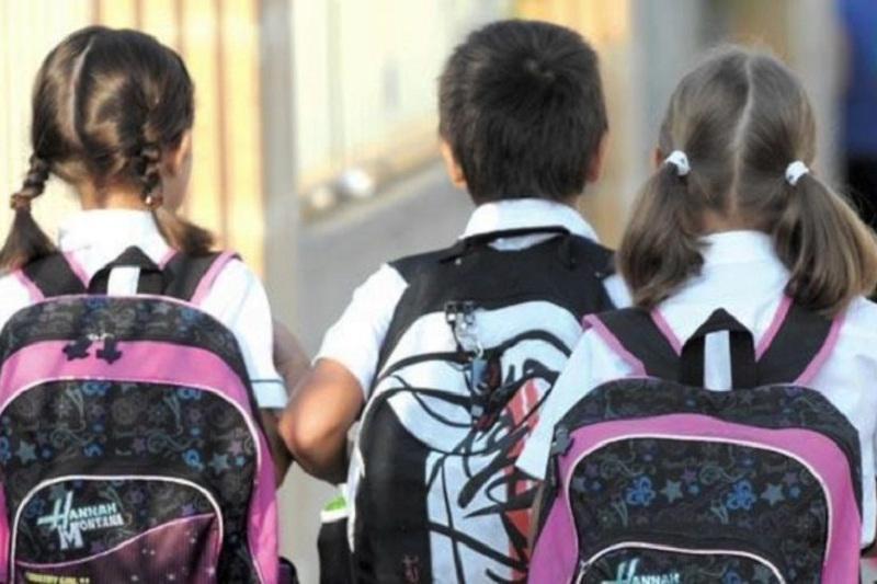 Асхат Аймагамбетов высказал свою позицию по приему детей с шести лет в школы