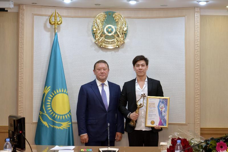 Адильхан Макин приехал на малую родину – в Северный Казахстан
