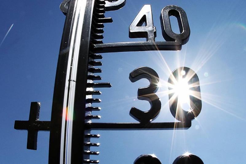 全国各地迎来持续高温天气