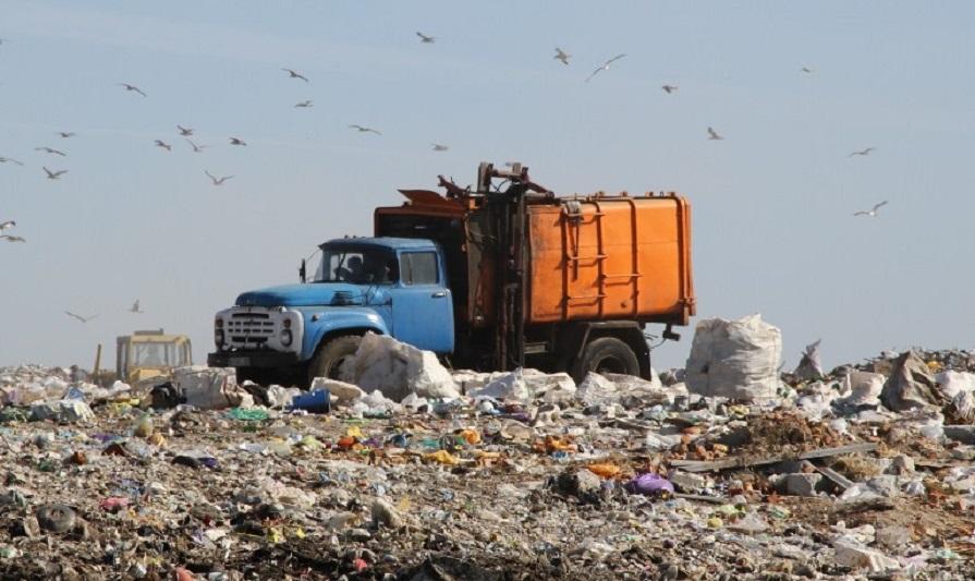В Атырау изменились тарифы на вывоз твердых бытовых отходов