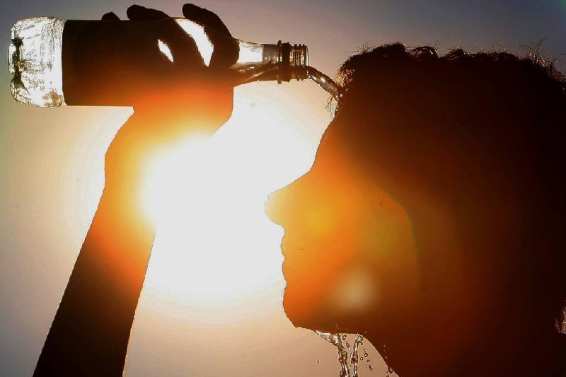 Сильная жара и ветер ожидаются на большей части Казахстана в субботу