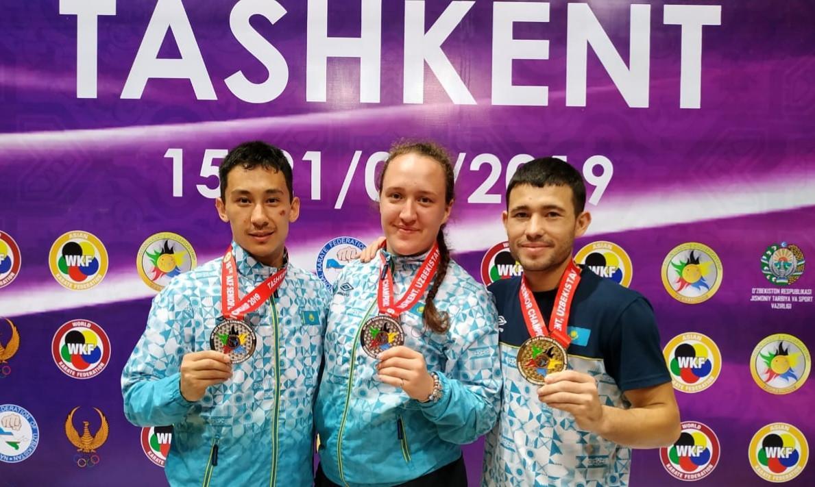 Казахстан завоевал три медали на чемпионате Азии по каратэ