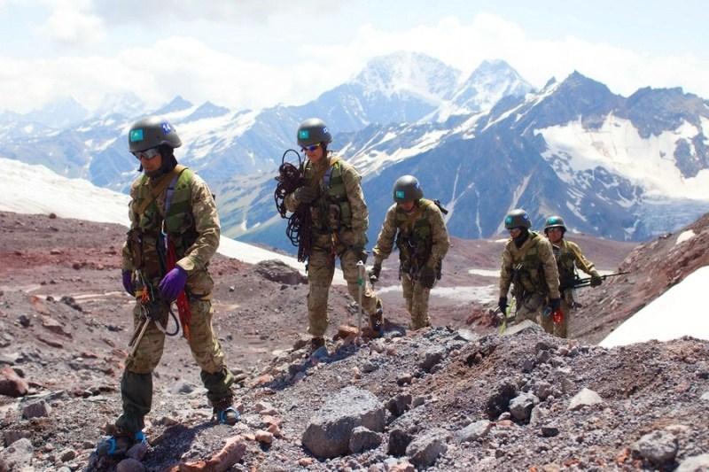Военнослужащие РК взойдут на самую высокую вершину Европы - Эльбрус