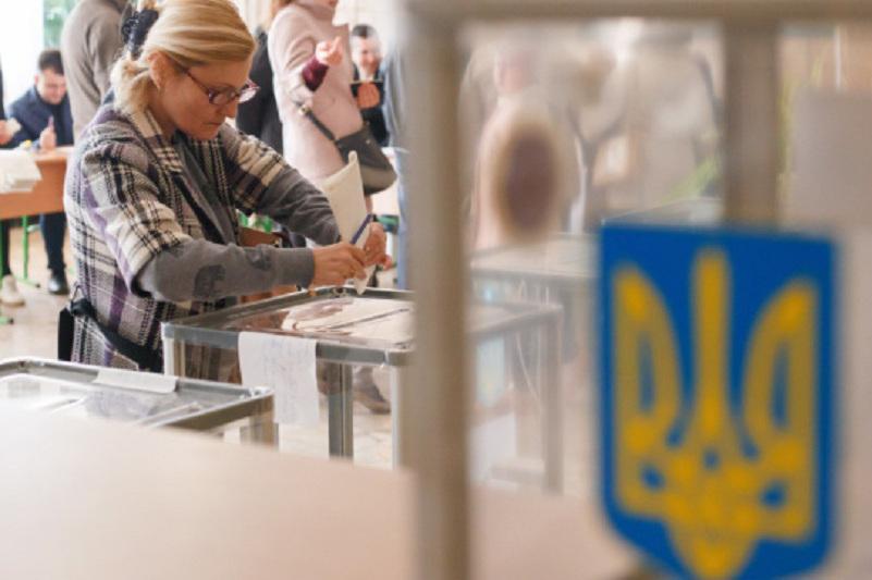 Украинада кезектен тыс сайлау өтіп жатыр
