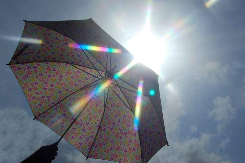 未来48小时天气:北部有降雨 南部酷暑