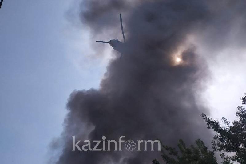 Загрязнение воздуха зафиксировали после пожара на складе в Алматы