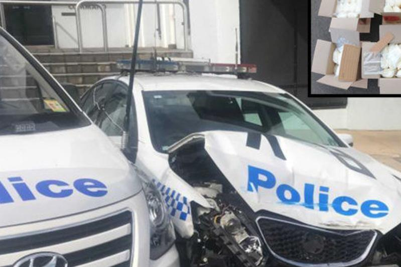 270 кг есірткі тиелген фургон полиция учаскесін қақырата соқты