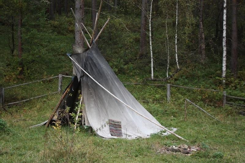 Проживающий в шалаше мужчина грабил отдыхающих на Бутаковке