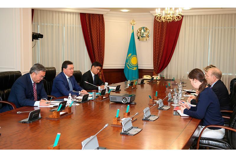 Kazakh PM, U.S. Ambassador discuss investment coop