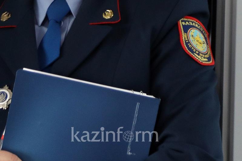 Полицейлер Арыс тұрғынынан заңсыз қару тәркіледі