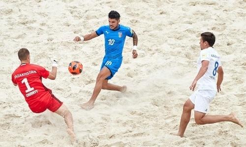 Сборная Казахстана по пляжному футболу проиграла Италии на ЧМ-2019
