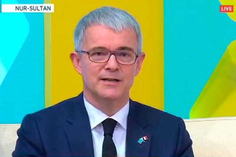 #Аbai175: Посол Франции прочитал стихи Абая на казахском языке