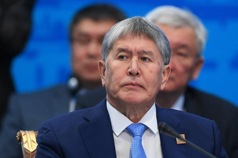 Алмазбек Атамбаев Канттағы Ресей әуе базасынан Мәскеуге ұшып кетті