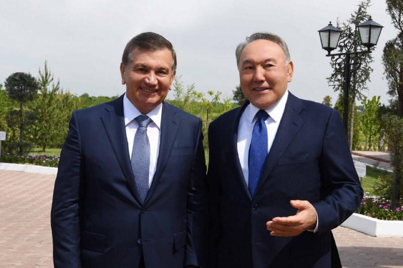 Нурсултан Назарбаев провел телефонный разговор с Шавкатом Мирзиеевым
