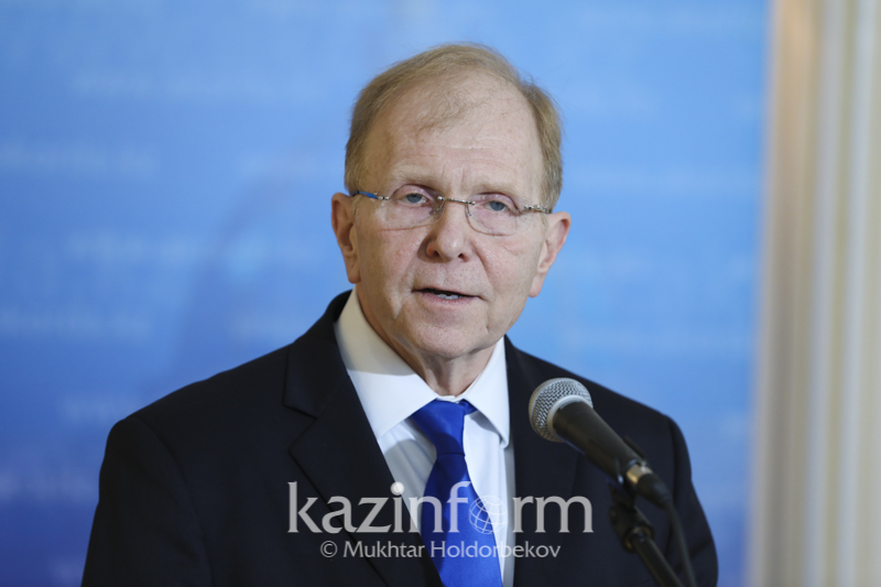 #Аbai175: посол США в Казахстане поддержал эстафету