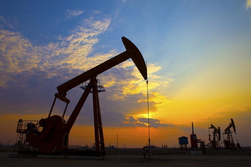 国际油价25日小幅上涨