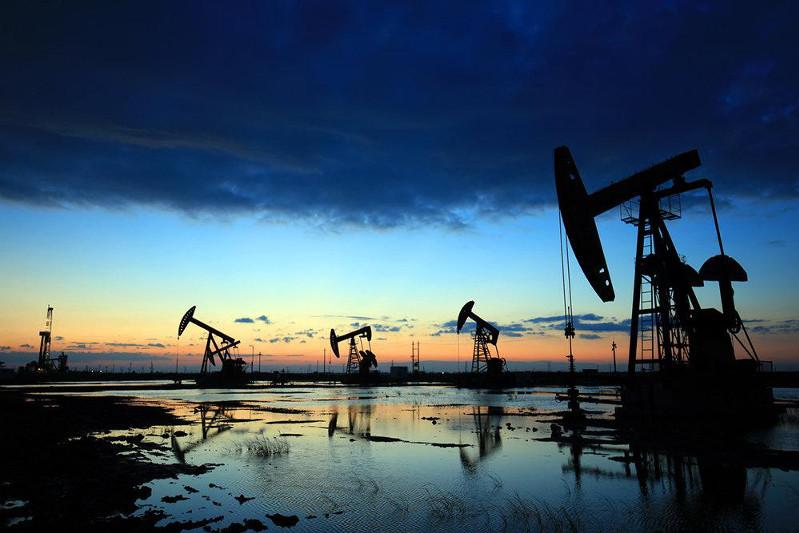 Oil prices slightly up