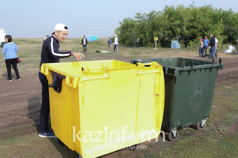 Мусорные контейнеры установят у водоемов близ столицы
