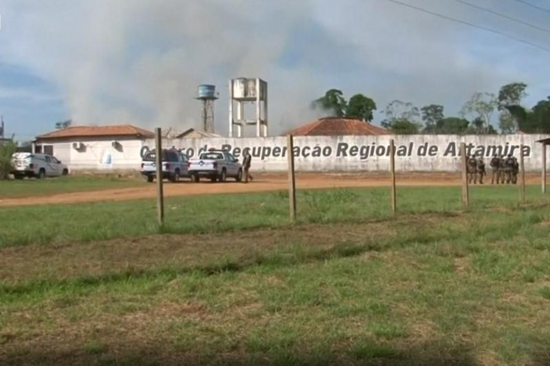 52 dead in Brazil prison riot