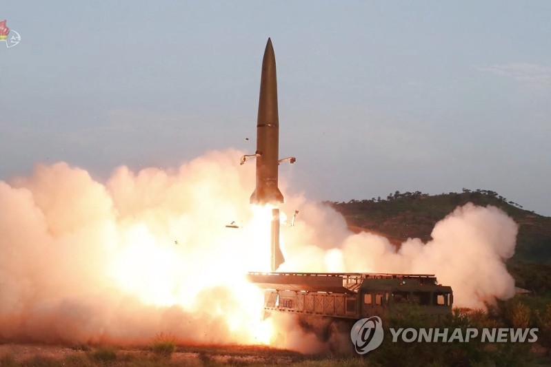 韩军称朝鲜今晨发射2枚近程弹道导弹