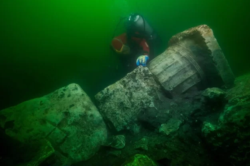 Дайверы нашли руины древнего храма в затонувшем египетском городе