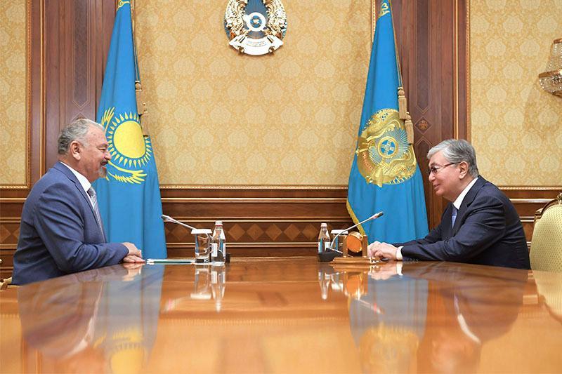 总统接见哈萨克斯坦功勋戏剧演员联盟主席
