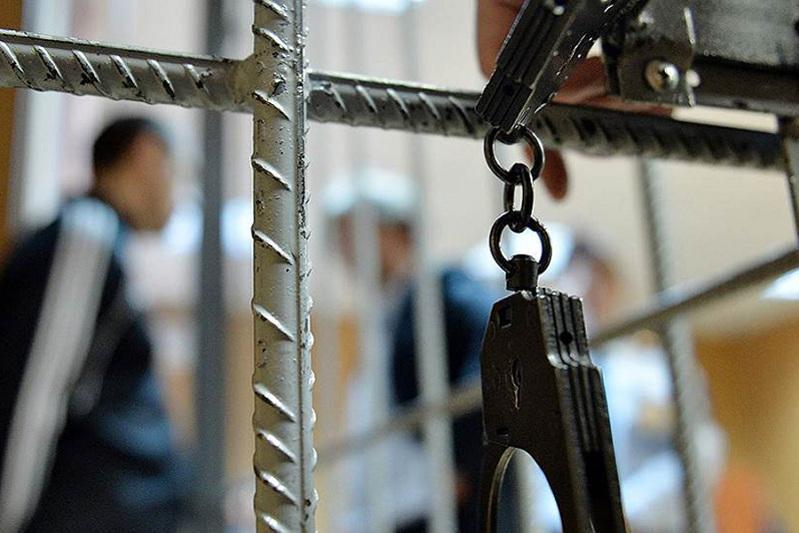 Восемь членов ОПГ задержали с оружием в Мангистауской области