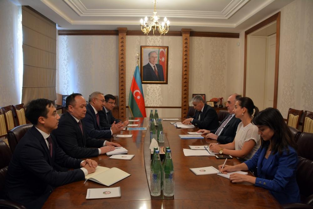 Azerbaijani FM meets with outgoing Kazakh ambassador