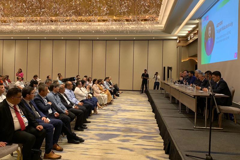 土耳其哈萨克侨民商业论坛在伊斯坦布尔举行