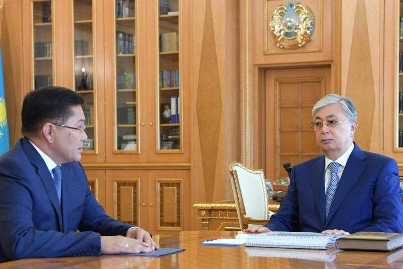托卡耶夫总统接见奇姆肯特市市长