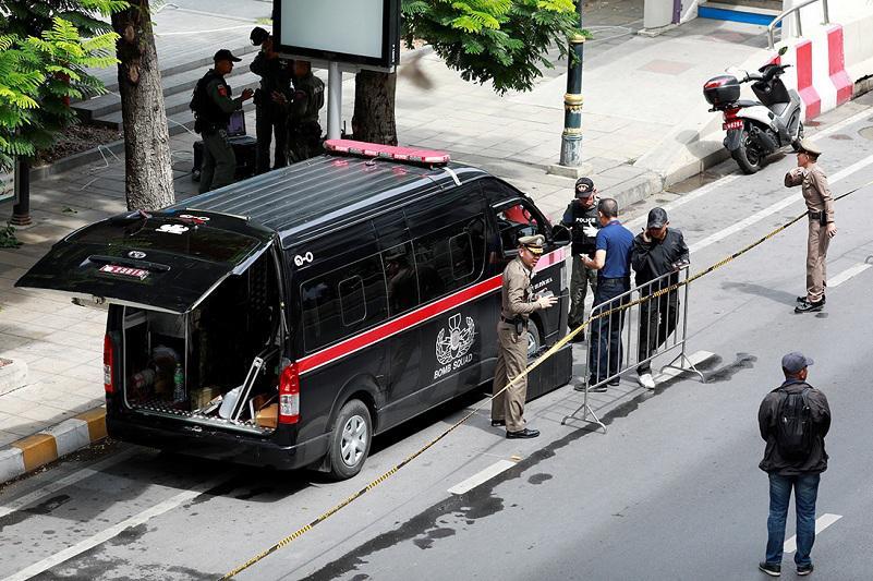 泰国曼谷多处发生小型爆炸 三人受伤