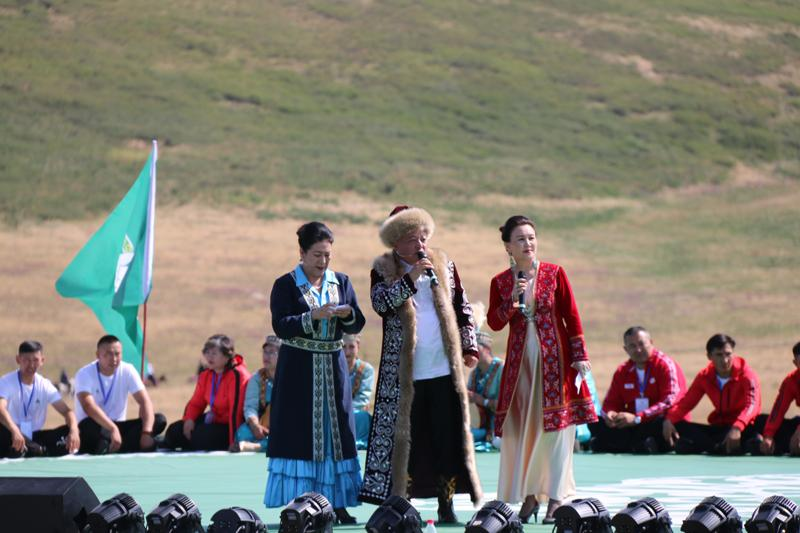 Қытайдың Тарбағатай аймағында ақындар айтысы өтті- Шетелдегі қазақ тілді БАҚ-қа шолу