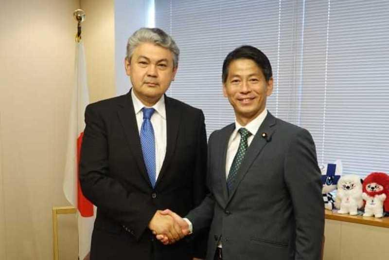 哈萨克斯坦和日本加强投资合作