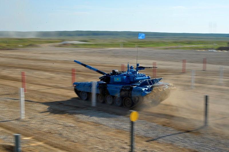 坦克两项赛事在莫斯科郊外火热进行