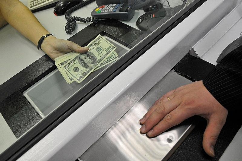 Қазақстанда валюта айырбастаушылардан құжат сұрау ұсынылды