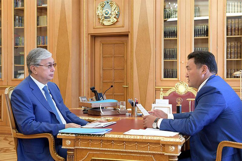 托卡耶夫总统接见巴甫洛达尔州州长