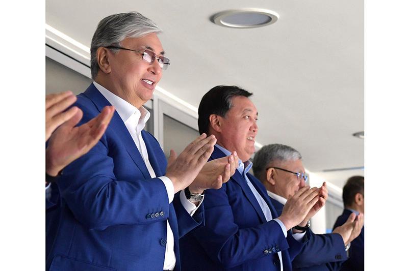 Глава государства понаблюдал за игрой между клубами «Барыс» и «Ак Барс»