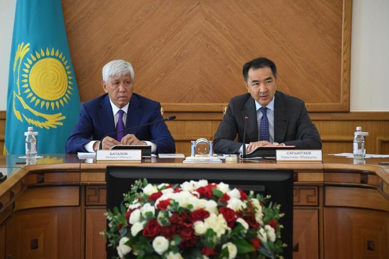 Развитие окраин Алматы обсудили Бакытжан Сагинтаев и Амандык Баталов