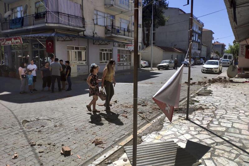 Strong quake rocks Turkey: above 20 injured