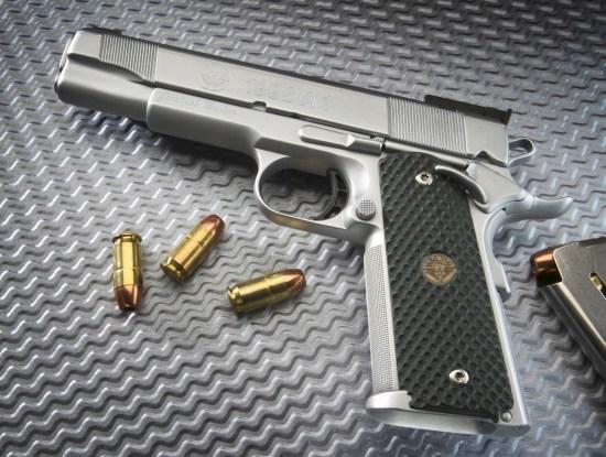 超60%美国人赞成严控枪支立法