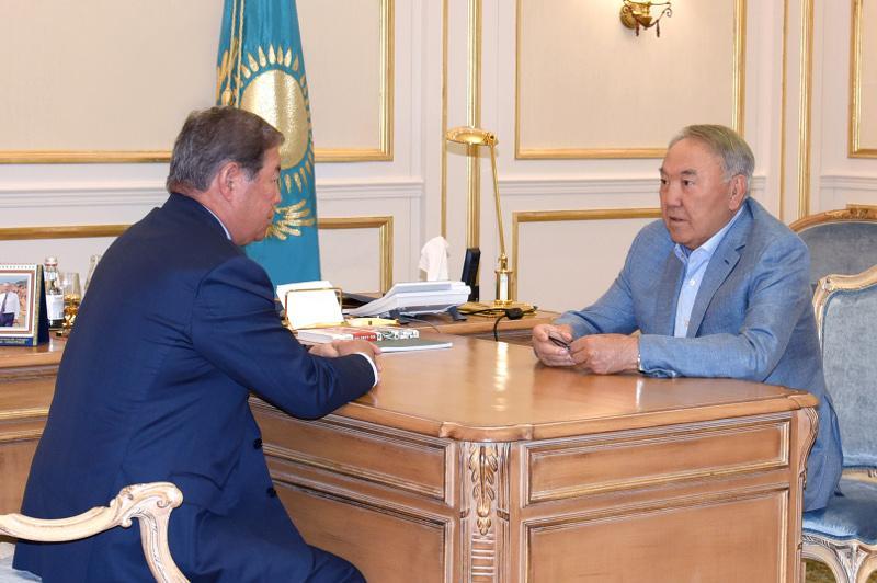 Нұрсұлтан Назарбаев Ахметжан Есімовті қабылдады