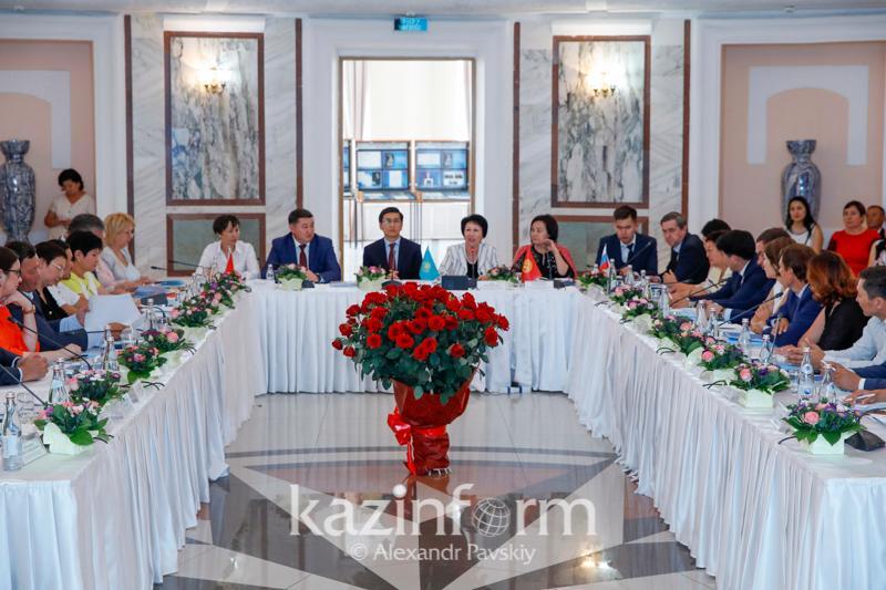 В Казахстане не будут менять требования к школьной форме – глава Минобразования