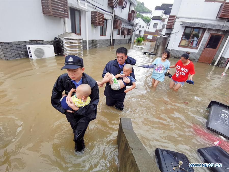 Количество жертв тайфуна «Лекима» в Китае выросло до 28 человек