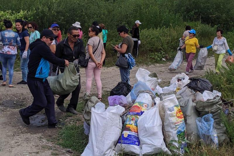 Семейліктер бір күннің ішінде 197 тонна қоқыс жинады