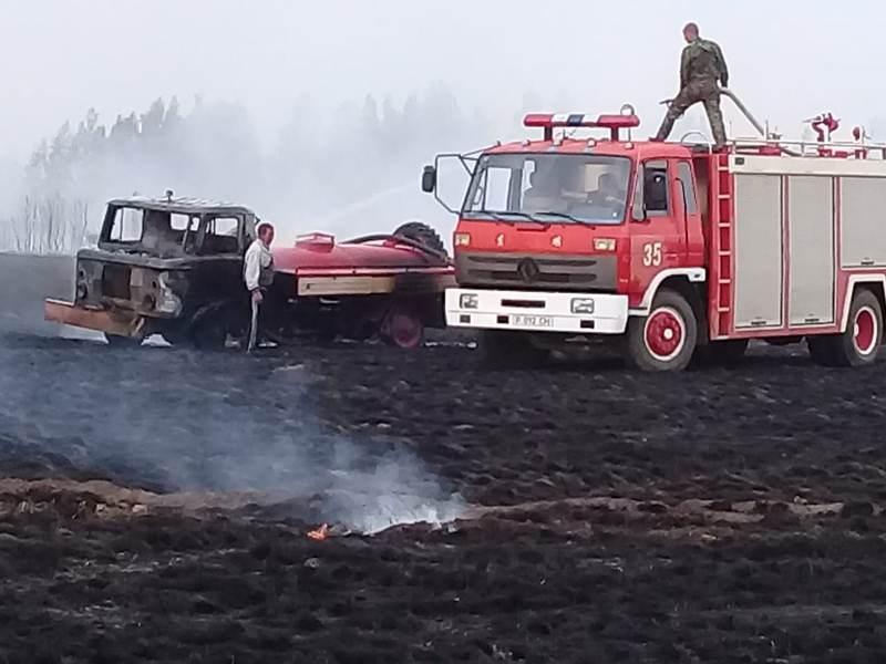 Из-за искр от электропроводов вспыхнул пожар в Костанайской области