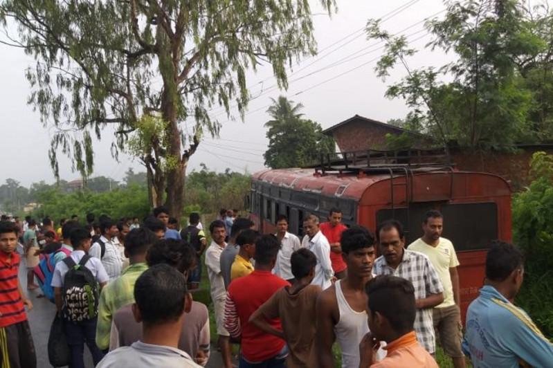 Үндістанда ондаған мектеп оқушысы мінген автобус өзенге құлап кетті