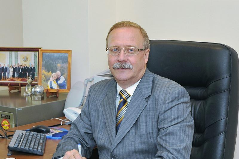 Виктор Малиновский назначен членом Конституционного Совета РК
