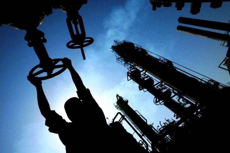 上半年田吉兹油田原油产量达15万吨